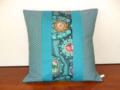 Housse de coussin bohème chic, turquoise et bleu canard : Textiles et tapis par michka-feemainpassionnement