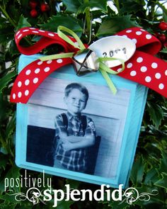 Positively Splendid {Crafts, Sewing, Recipes and Home Decor}: Photo Christmas List Ornament Tutorial