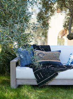 Love the bohemian mix of indigo shibori and African mudcloth.