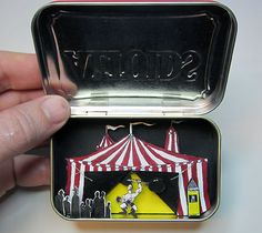 mini tin box diorama - good thing i collect these. yay for pack ratness!