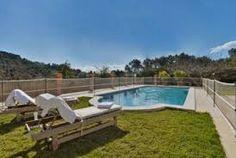 Schönes Haus mit privatem Pool, Grillplatz und kleinem Spielplatz