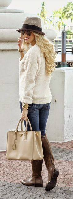 Fall /Winter - Sweater + Jeans + Handbag + Long booties