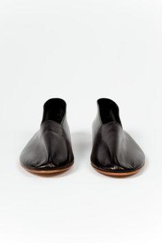 Martiniano, Glove Shoe