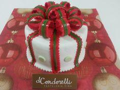 "Torta ""Regalo"" de Pastelería dCondorelli - www.dcondorelli.cl - Santiago, Chile"