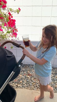 This stroller has a water-resistant canopy, so no need to worry about spills! Pregnancy Planning Resources, Minions, Baby Life Hacks, Newborn Baby Photos, Baby Necessities, Dream Baby, Baby List, Pregnancy Tips, Pregnancy Photos