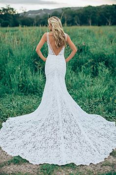 V back mermaid wedding dress. | mysweetengagement.com