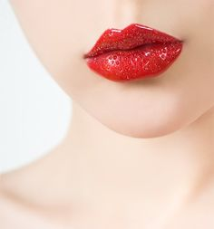 And here not only fashion trends are included as your beauty look is not less important. We've sorted out the makeup colors for you to look trendy in hot Summer Makeup Art, Beauty Makeup, Strawberry Color, Strawberry Fields, Lip Tips, Berry Lips, Eyeliner Styles, Hair Brained, Lip Stain