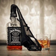It doesn't have to be Thursday to be thirsty jackdaniels whiskey alcohol drinkdrankdrunk Whiskey Girl, Cigars And Whiskey, Scotch Whiskey, Bourbon Whiskey, Whiskey Bottle, Bourbon Drinks, Irish Whiskey, Jack Daniels Bottle, Drink Recipes