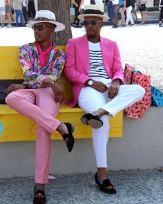 Pitti Files - Painting Florence Pink With My Guy Latest Mens Wear, Fashion Beauty, Mens Fashion, Pink Suit, Many Men, Black Men, Menswear, Street Style, Lifestyle