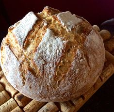 Pataleipä on nyt kaikkien uunissa Pan Bread, Bread Baking, Wine Recipes, Great Recipes, Just Eat It, Yummy Food, Tasty, Sweet Pastries, Bread Board