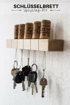 DIY-Upcycling Schlüsselbrett y Manualidades Reciclaje y Manualidades Ideas y Manualidades ✂️ Upcycled Crafts, Upcycled Home Decor, Diy Home Decor, Diy Projects For Bedroom, Diy Wood Projects, Diy Bedroom, Teen Bedroom, Bedroom Ideas, Upcycle Home