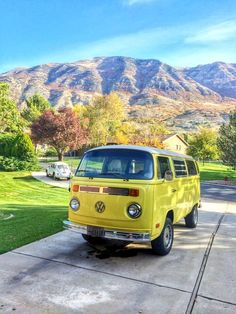 Vw - t2 - yellow. Hmm whoever owes this must be really hot. Just saying :0).