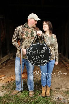 Engagement Session- Save The Date- Hunting- Camo- Love- Central Kentucky Wedding & Family Photography http://www.allenacoxphotography.com