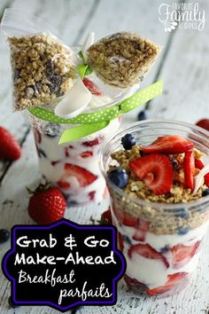 Make Ahead Breakfast Parfaits - These save my mornings (and my sanity). No more skipping breakfast! Grab and Go Make-Ahead Breakfast Parfaits - A quick and easy breakfast you can make ahead of time. Perfect for those rushed mornings! Just grab and GO! Grab And Go Breakfast, Quick And Easy Breakfast, Breakfast Parfait, Mason Jar Breakfast, School Breakfast, Yogurt Breakfast, Parfait Recipes, Recipe For Yogurt Parfait, Breakfast
