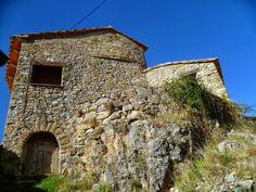 Os invitamos a pasear por el  castillo de Calvera.  #historia #turismo  http://www.rutasconhistoria.es/loc/castillo-de-calvera
