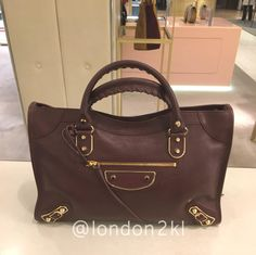 Metallic Edge RM7,155 ❤it? Reserve it before it's gone! WhatsApp us #L2KLBalenciaga