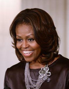 Société / Actus Michelle Obama, icône féministe ?  0 LIKE, 11 Partage, 14 Tweet, 34 Google+ Happy birthday Michelle ! La Première dame américaine fête aujourd'hui ses 50 ans, plus belle et épanouie que jamais, avec de beaux accompli...
