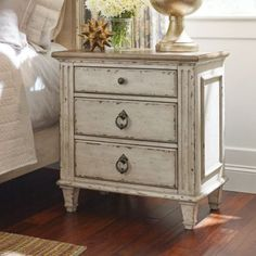 With a charm inspired by European country cottages, the American Drew Southbury 3 Drawer Nightstand is a great way to introduce Old World elements. King Size Bedroom Sets, Wood Bedroom Sets, Ikea Bedroom, Bedroom Furniture, Bedroom Ideas, Farmhouse Furniture, Bedroom Colors, Bedroom Wall, Rustic Furniture