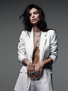 jewelry campaign Emily Ratajkowski Strips Down for New Jewelry Campaign - Modeling a white blazer with nothing underneath, Emily Ratajkowski poses for Jacquie Aiche jewelry - Inspiration Photoshoot, Style Photoshoot, Photoshoot Ideas, Emily Ratajkowski, Pose Mannequin, Foto Glamour, Photography Poses, Fashion Photography, Implied Photography