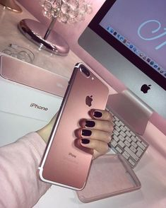 Find images and videos about pink, nails and iphone on We Heart It - the app to get lost in what you love. Coque Iphone 6, Pink Iphone, Iphone Phone, Iphone Cases, Iphone 7 Rose Gold, Iphone 8 Plus, Iphone 8 Wallpaper, Telefon Apple, Apple Iphone