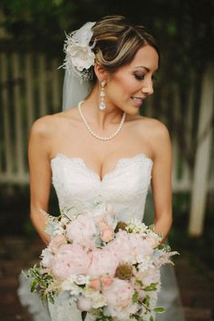 How amazing does this Bride look, and we love her Kate Baker Floral Design bouquet.  http://www.weddingchicks.com/2013/10/28/vintage-wedding/