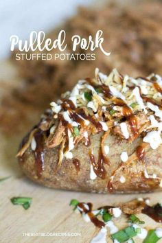 Pulled Pork Stuffed Baked Potatoes Baked Potato Toppings, Baked Potato Bar, Baked Potato Recipes, Loaded Potato, Slow Cooked Pulled Pork, Shredded Pork, Pulled Pork Recipes, Dinner Side Dishes, Main Dishes