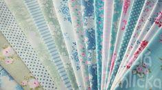 Látka Tilda 2013- White Flower Blue | VeseláJehlička.cz Teal, Blue, White Flowers, Wonderland, Blanket, Crafts, Home Decor, Manualidades, Decoration Home