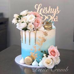 Birthday Cake Bakery, Bithday Cake, Gold Birthday Cake, 19th Birthday, Crumb Cakes, Mom Cake, Bakery Cakes, Beautiful Cakes, Pink And Gold