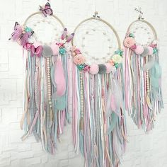 Flowers spring crafts beautiful ideas - Flowers spring crafts beautiful ideas You are in the right place about disney crafts H - Dream Catcher Craft, Dream Catcher Mobile, Dream Catchers, Diy And Crafts, Crafts For Kids, Arts And Crafts, Baby Shower Floral, Crafts Beautiful, Beautiful Wall