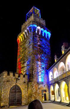 Waidhofen an der Ybbs - Rothschildschloss bei Nacht Places Ive Been, Places To Go, Rick Steves, European Vacation, Sound Of Music, Salzburg, Luxembourg, Slovenia, Austria
