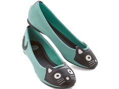 size 8 Up Your Alley Cat Flat in Mint. If you would describe your style as slightly zany, decently adorable, and super-duper fun, then weve got mews for you. Cat Flats, Cat Shoes, Shoe Boots, Shoe Shoe, Suede Flats, Gyaru, Alley Cat, Girly, Vegan Shoes