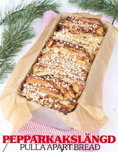 Pepparkakslängd i form Hot Cocoa Recipe, Cocoa Recipes, Dessert Recipes, Desserts, Christmas Baking, Christmas Treats, Christmas Stuff, Pull Apart Bread, Cooking Classes