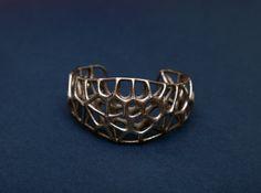 Voronoi Webb Fibre Cuff