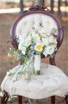 Vintage wedding bouquet with pastel florals. #bouquet #pastelbouquet #weddingchicks Floral Design: New Creations Flower Company ---> http://www.weddingchicks.com/2014/04/28/wedding-ideas-with-some-va-va-voom/