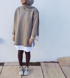 Oversized sweatshirts hijabi styling ideas – Just Trendy Girls Hijab Casual, Hijab Chic, Islamic Fashion, Muslim Fashion, Modest Fashion, Fashion Outfits, Fashion Wear, Fashion Trends, Modest Outfits Muslim