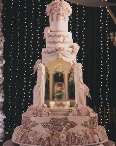 wedding cake designs 2018 wedding cakes 14 Extravagant Wedding Cake Designs For 2018 Weddings Castle Wedding Cake, Luxury Wedding Cake, Black Wedding Cakes, Floral Wedding Cakes, Wedding Cake Designs, Luxury Cake, Floral Cake, Purple Wedding, Gold Wedding