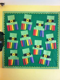 Leprechaun Hat Inspired Bulletin Board for March Patricks day bulletin board St. Patrick's Day Bulletin Board Ideas to spread Irish Luck in your classroom - Hike n Dip Daycare Themes, Preschool Themes, Preschool Crafts, Kid Crafts, Preschool Bulletin Boards, Classroom Crafts, Classroom Door, March Bulletin Board Ideas, March Crafts