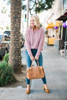 The perfect spring 2018 everyday outfit idea. I love pink sweaters, but these high-rise jeans are my all time favorite! They suck you in and make you look great! I styled the look with a tan handbag and mustard loafer heels. Fall Outfits For Teen Girls, Cute Outfits For School, Fall Outfits For Work, Cute Fall Outfits, Mom Outfits, Dresses For Teens, Everyday Outfits, Outfit Work, Black Outfits