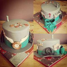 Steampunk top hat cake