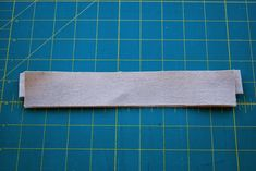 Neat Finish Window Pouch -- Sewing Tutorial by Roonie Ranching © 2013 Pouch Tutorial, Id Wallet, Zipper Pouch, Sewing Tutorials, Window, Pouches, Quilting, Bags, Plastic