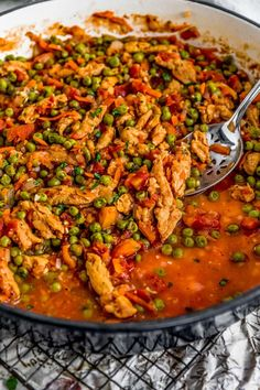Bursting with antioxidant-rich spices and herbs, this Lebanese Soy Curls and Pea Stew is an explosion of warming aromatic flavors and wholesome ingredients. Clean Eating Recipes For Dinner, Lunch Recipes, Healthy Dinner Recipes, Whole Food Recipes, Vegan Recipes, Vegan Meals, Vegan Party Food, Vegan Stew, Veggie Delight