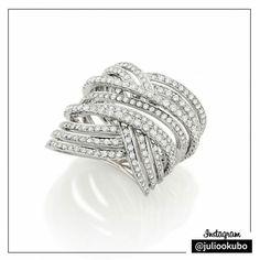 Anel Julio Okubo em Ouro Branco com Diamantes! #jewellery #jewelry #handmade #pearls #perolas #diamonds #juliookubo #noivas #bridal #joiasparanoivas #luxury #iguatemisp #namorados