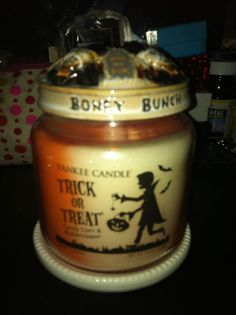 Yankee Candle trick or treat with Boney Bunch illuma lid