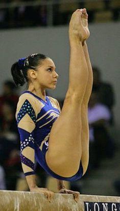Young Girl with big massive muscle legs Team Usa Gymnastics, Gymnastics World, Gymnastics Photography, Gymnastics Pictures, Gymnastics Workout, Olympic Gymnastics, Artistic Gymnastics Leotards, Tumbling Gymnastics, Olympic Games