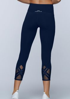 These tights are perfect for any workout or athleisure outfit. You will love everything from the support of the ultra high waist to the sleek crossover detailing of the sheer back leg panels. Workout Gear For Women, Womens Workout Outfits, Sport Outfits, Gym Outfits, Gym Wear For Women, Evolution Of Fashion, Athleisure Outfits, Running Leggings, Athletic Wear