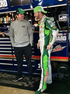 Dale Earnhardt Jr #88 Kansas 4th chase race results. Started: 8th Finished: 39th, fell from 7th to 11th -42 points behind 1st. 25th points behind 8th.