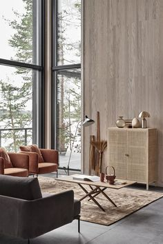 A minimal home in rattan and rust