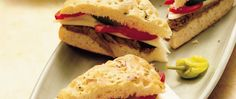 Easy Italian Beef Sandwiches - These hearty beef sandwiches make great appetizers to carry along to a party. Have this Italian delight slow cooking all day long. Italian Beef Sandwiches, Wrap Sandwiches, Slow Cooker Recipes, Crockpot Recipes, Yummy Recipes, Healthy Recipes, Food Challenge, Great Appetizers, Game Day Food