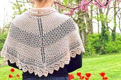 Ravelry: Tea Rose Shawlette pattern by Julia Temiseva