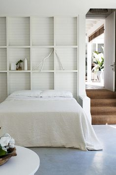 my scandinavian home: A light and airy Australian beach house Style At Home, Gender Neutral Bedrooms, White Bedrooms, Master Bedrooms, Australian Beach, Shelves In Bedroom, Bedroom Wall, Storage Headboard, Bedroom Decor